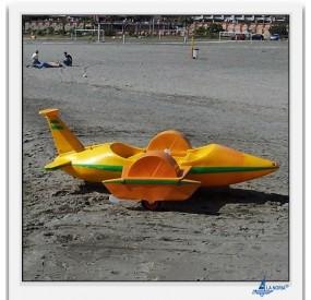 Hydro-plane by La Noria