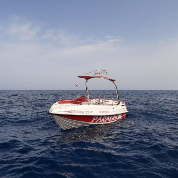 embarcación cherokee 30 para parasailing