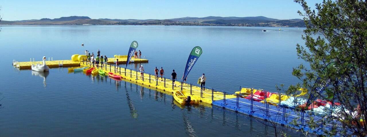 Schwimmende Plattformen